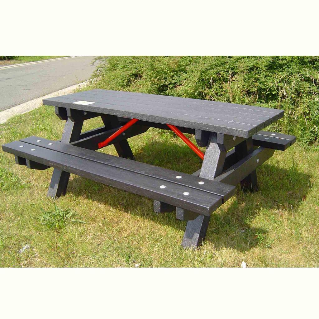 gerecycled kunststof picknicktafel